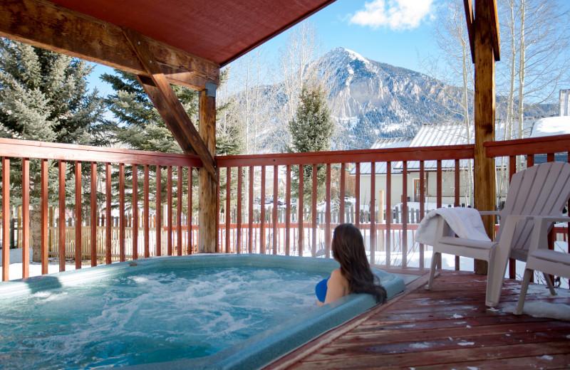 Hot tub at Cristiana Guesthaus.