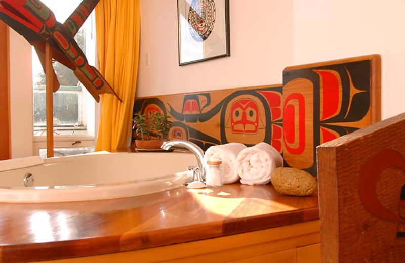 The Kingfisher Room jacuzzi at Sooke Harbour House.