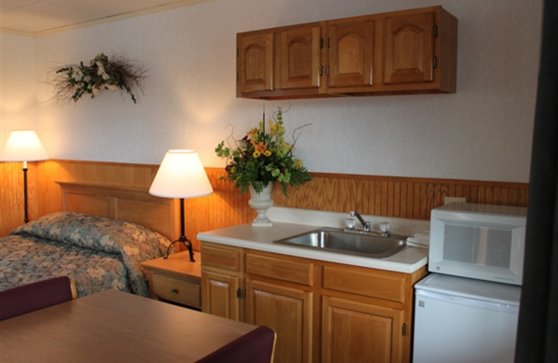 Guest Room with Kitchenette at Placid Bay Inn