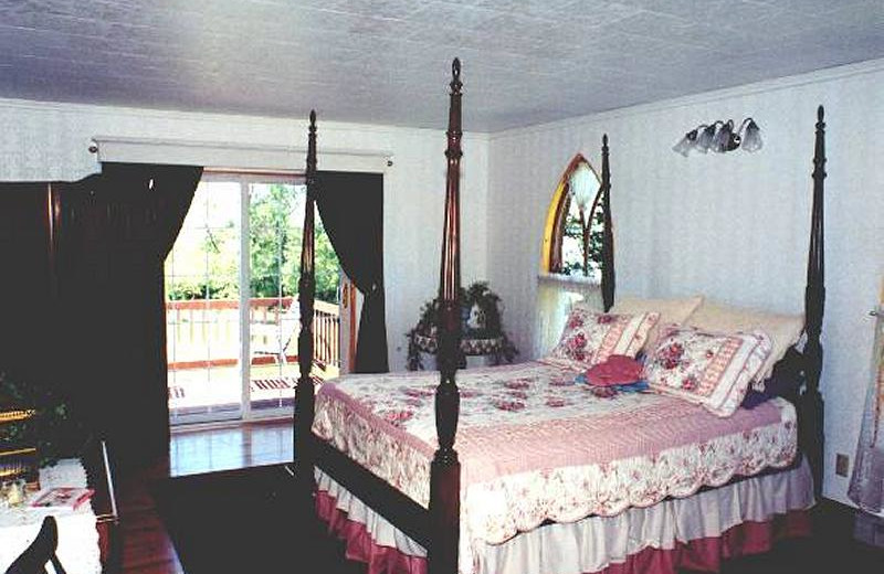 Guest room at Sage Hill Inn Bed and Breakfast.