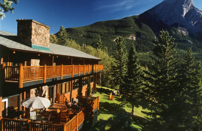 Exterior View of Overlander Mountain Lodge