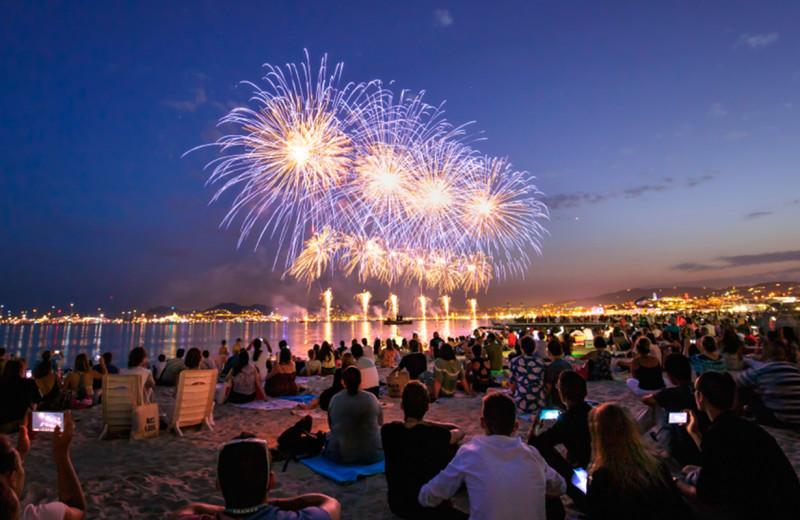 Lake fireworks at The Depe Dene Resort.