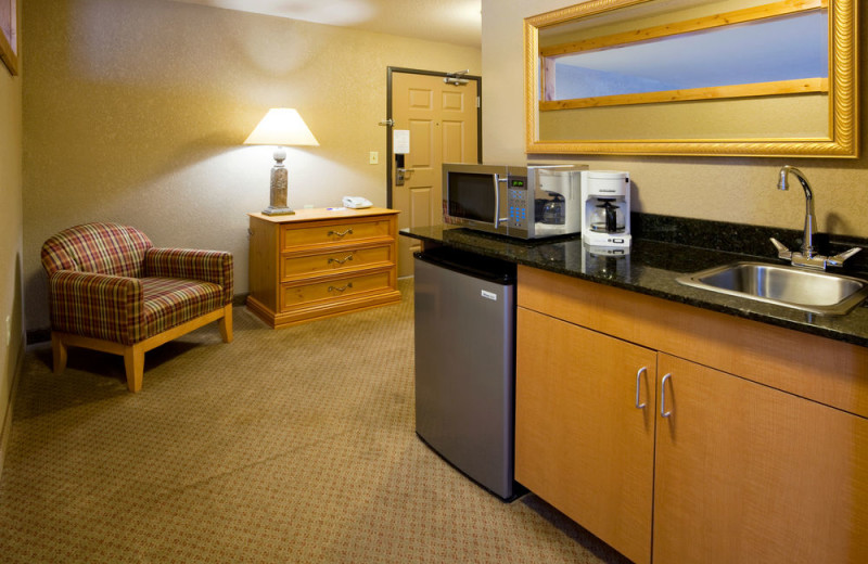 Guest room at Holiday Inn Express Brainerd/Baxter.