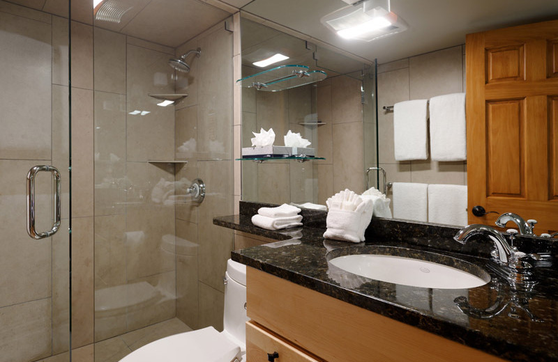 Rental bathroom at Frias Properties of Aspen - Chateau Chaumont #4.