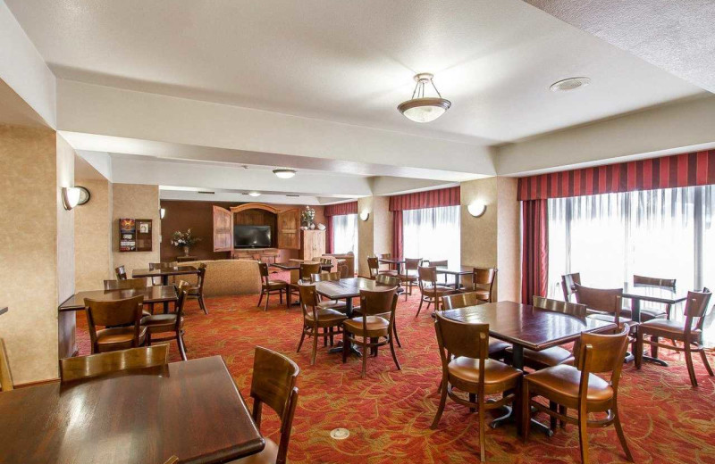 Dining at Comfort Inn I-10 West at 51st Ave.