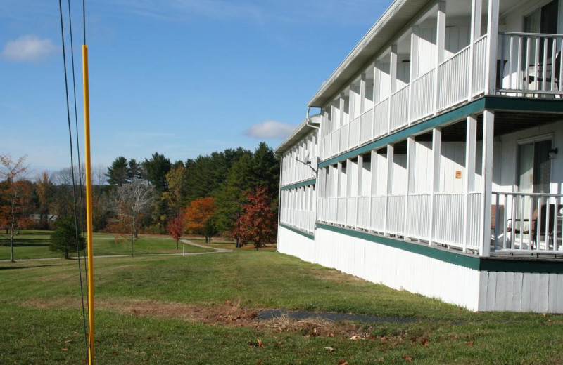 Exterior view of Windrifter Resort.