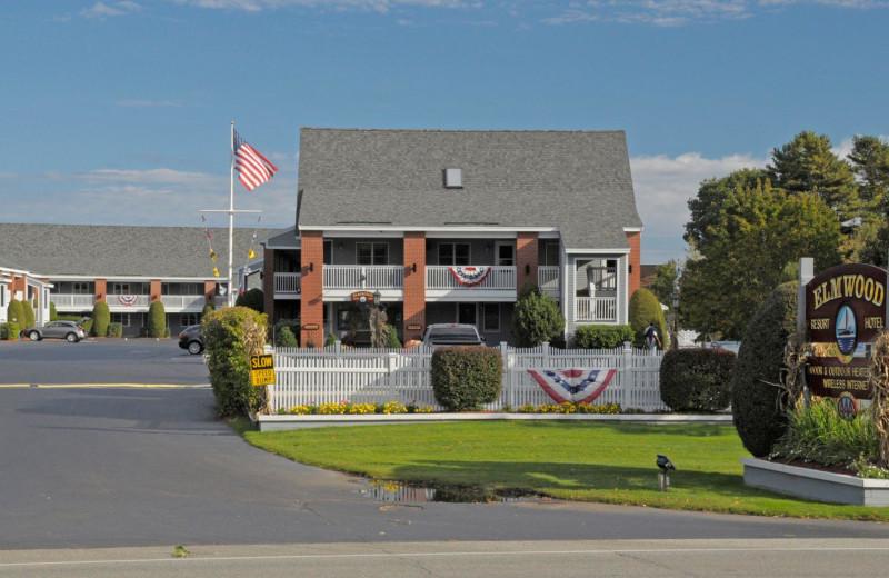 Exterior view of Elmwood Resort Hotel.
