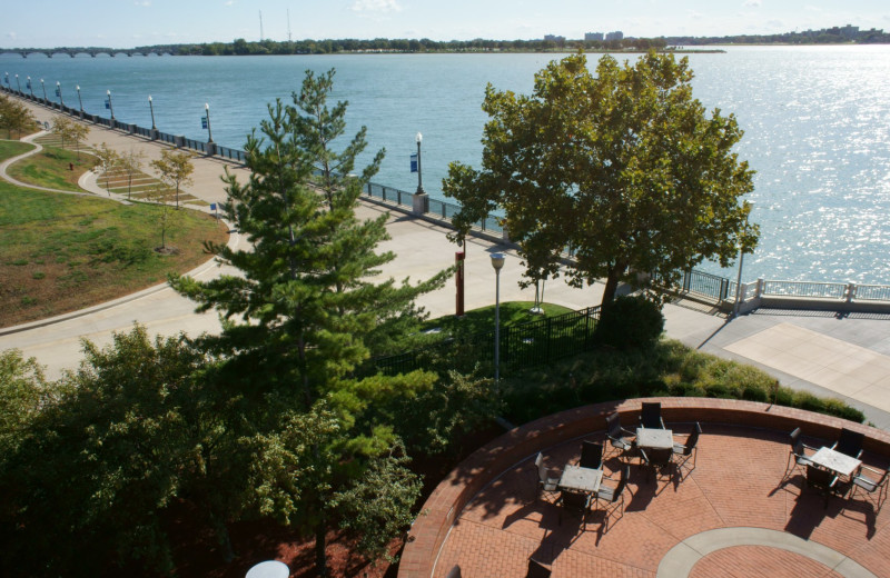Outdoor patio at Omni Detroit River Place.