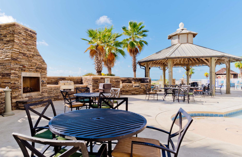Rental patio at Pointe South.