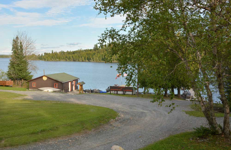 Easy Access to the lake at Manotak Lodge