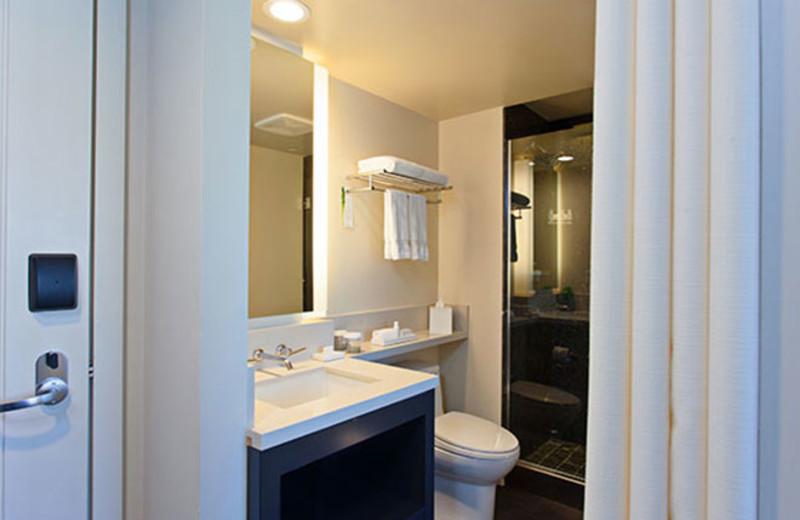 Bathroom at Hotel Keen