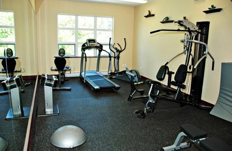 Fitness room at Honeymoon Bay Lodge & Retreat.