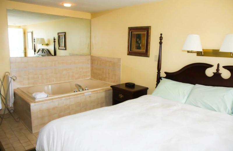 Jacuzzi guestroom at Tidewater Inn.