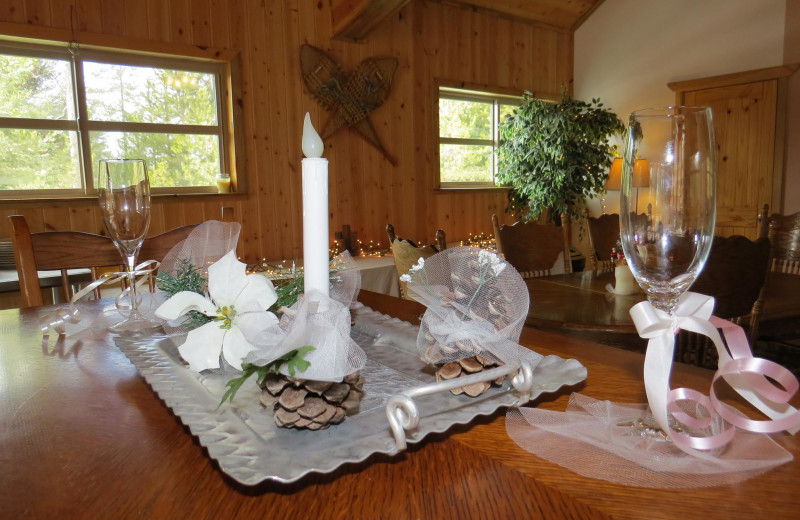 Weddings at DiamondStone Guest Lodges.