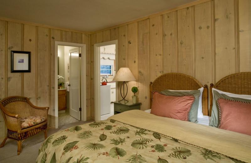 Guest room at Dr. Wilkinson's Hot Springs Resort.