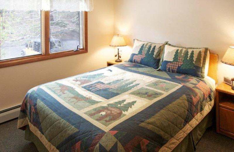 Cabin bedroom at Aspen Winds.