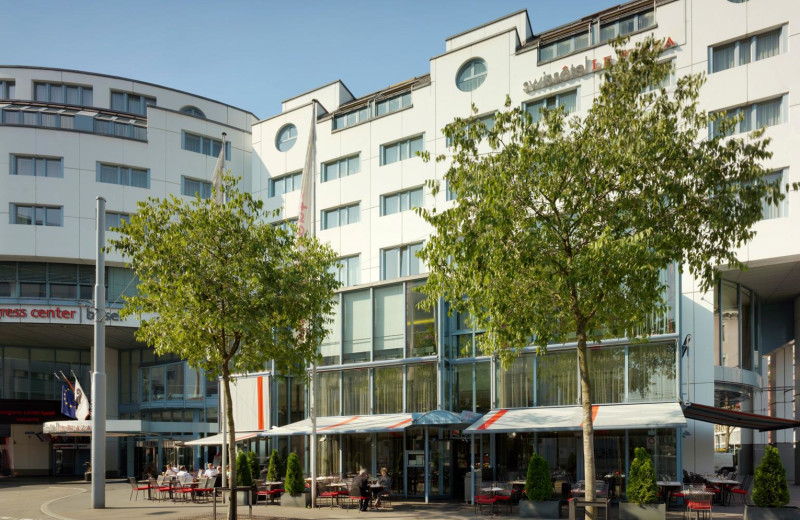 Exterior view of Basel Hotel Le Plaza.