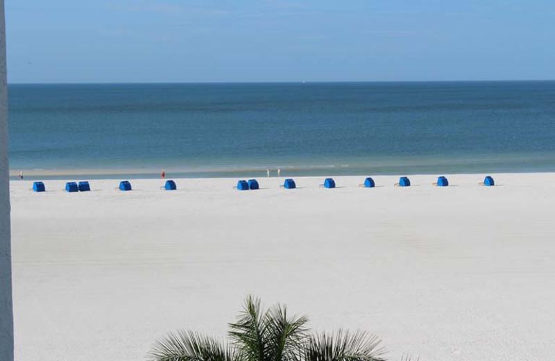 The beach at Gulfview Manor Resort.