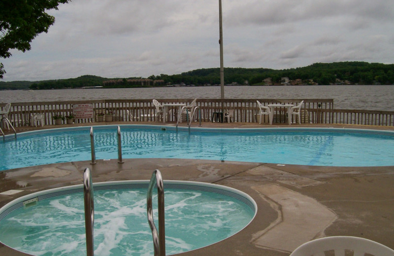Outdoor pool at Golden Horseshoe Resort.