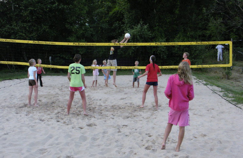 Volleyball court at Watervale Inn.