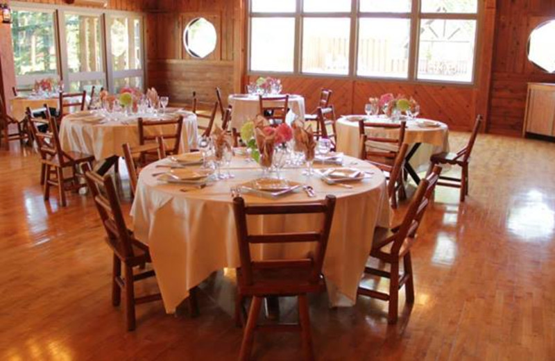 Dining at Sojourn Lakeside Resort.