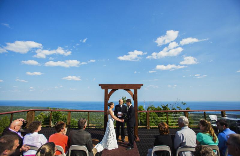 Wedding room at Eagle Ridge at Lutsen Mountains.