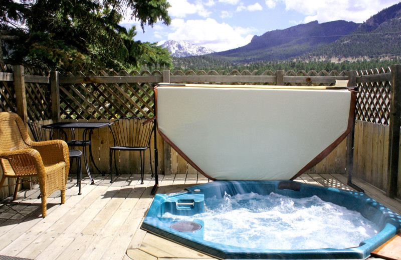 Hot tub with at view at Lazy R Cottages.