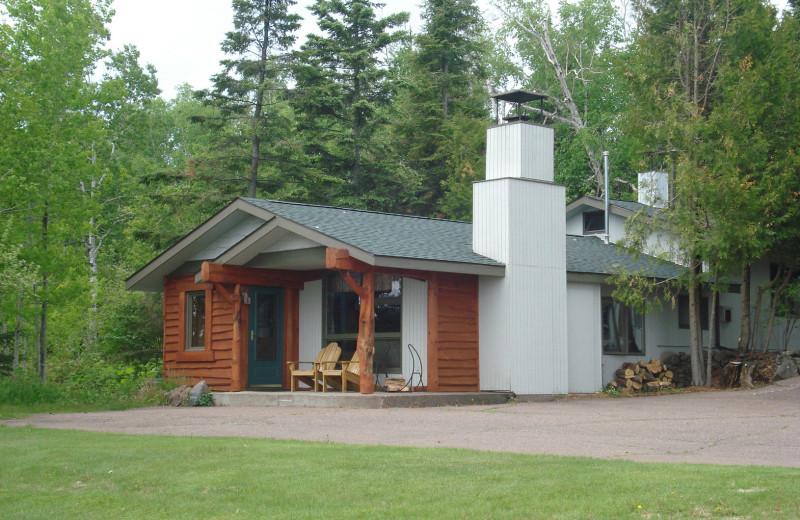 Cabin exterior at Thomsonite Beach Inn & Suites.