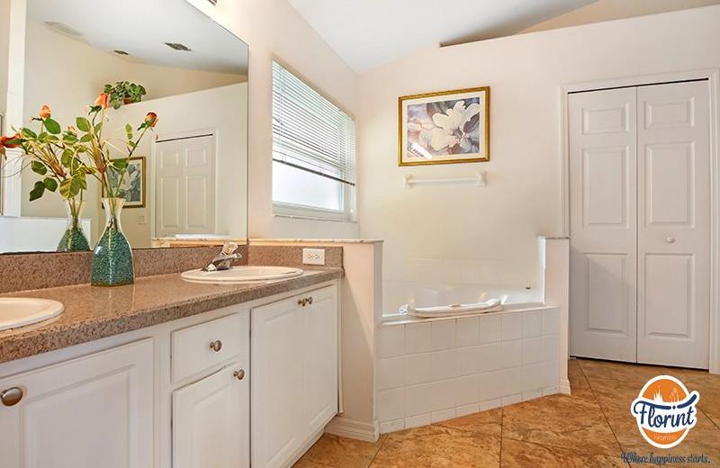 Rental bathroom at Florint Vacations.
