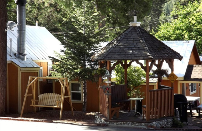 Cabins and Gazebo at Sleepy Hollow Cabins & Hotel