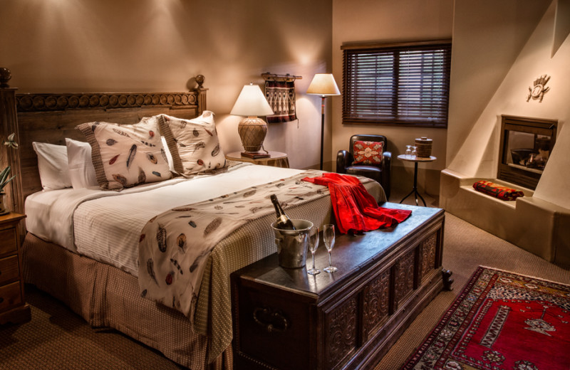 Romantic guestroom at Hotel Santa Fe