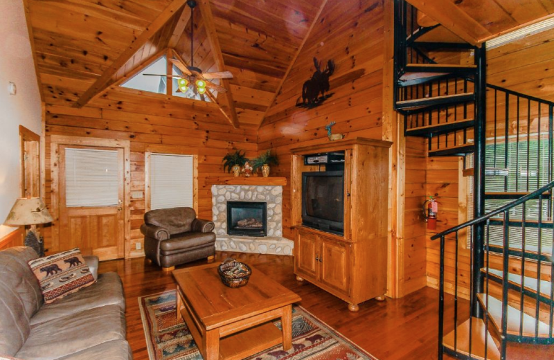 Cabin living room at Golfview Vacation Rentals.