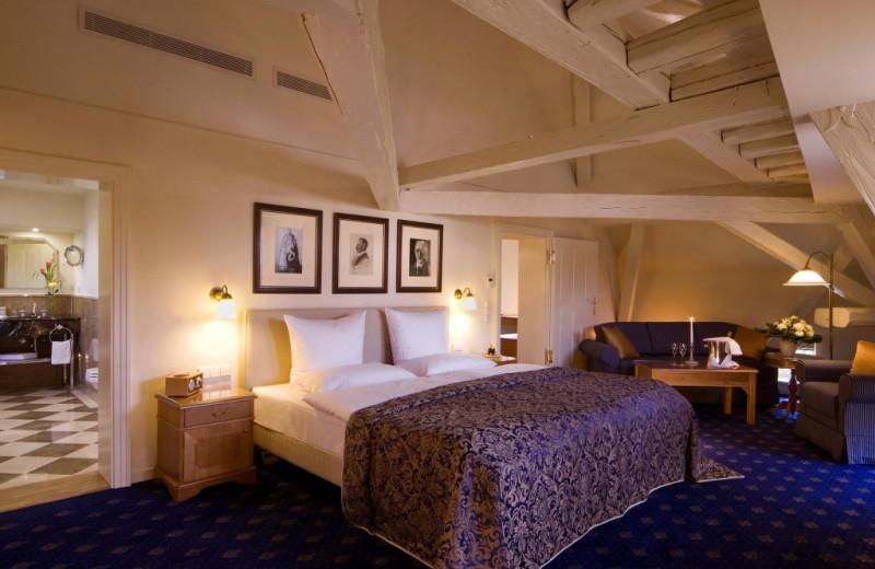 Guest room at Schloss Reinhartshausen Hotel and Weingut.