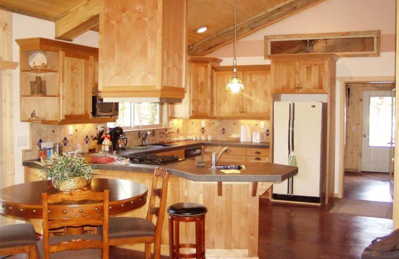 Guest kitchen at DiamondStone Guest Lodges.