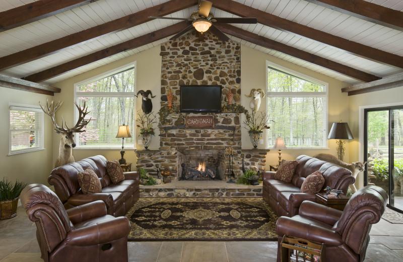 Lounge at Caryonah Hunting Lodge.