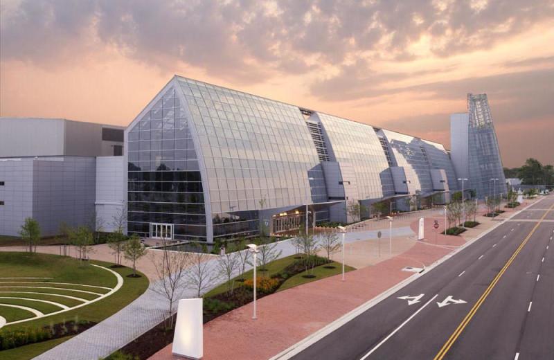 Virginia Beach Convention Center near The Oceanfront Inn.