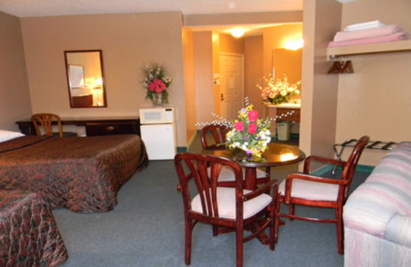 Guest Suite at the New Concord Inn