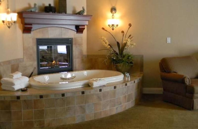 Suite hot tub at Summer Creek Inn & Spa.