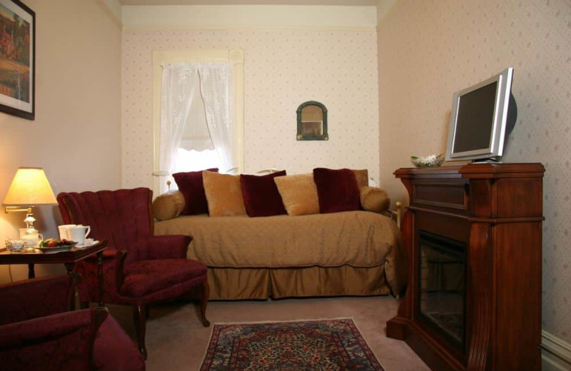 Guest room at Hennessey House Bed & Breakfast.