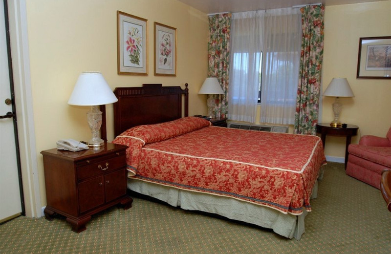 Guest room at Campbell Inn.