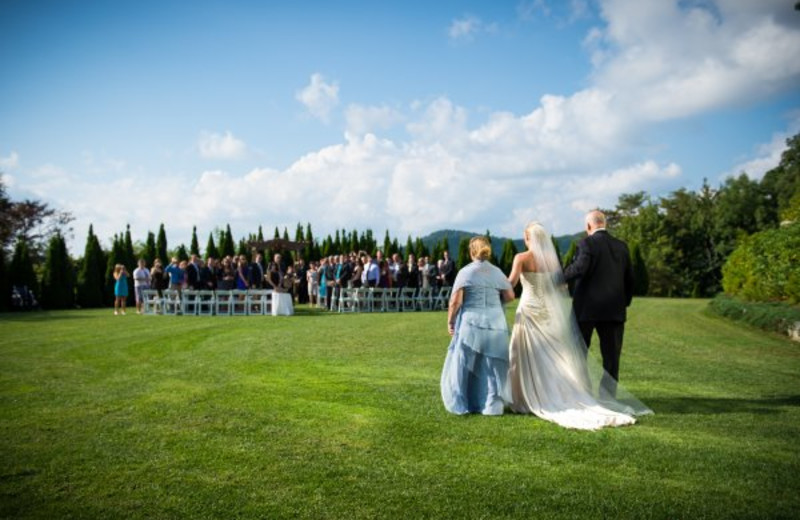 Ceremony at Crestwood Resort & Spa