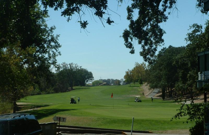 Golf at The 10th Green Inn at La Contenta.