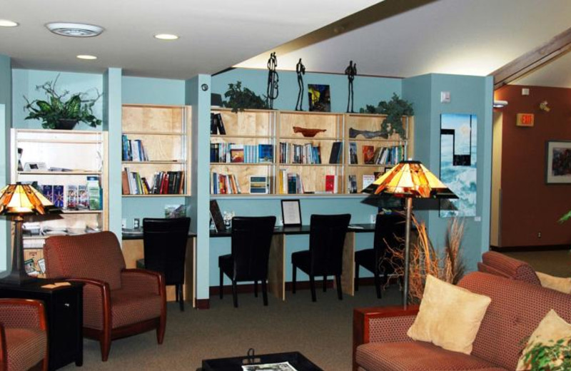 Library at Honeymoon Bay Lodge & Retreat.