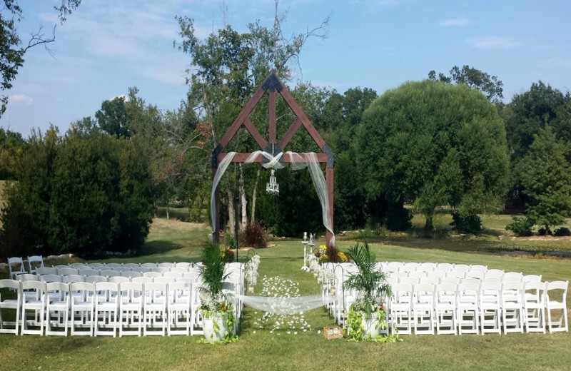 Wedding ceremony at Mill Creek Ranch Resort.