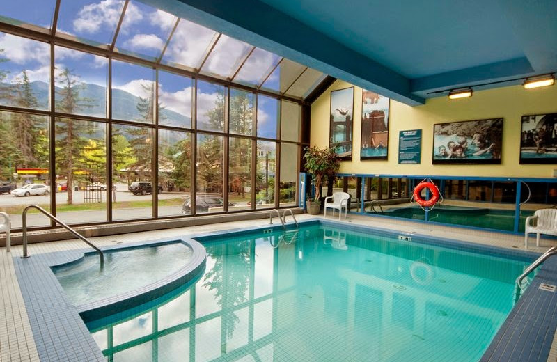 Indoor pool at Best Western PLUS Siding 29 Lodge.