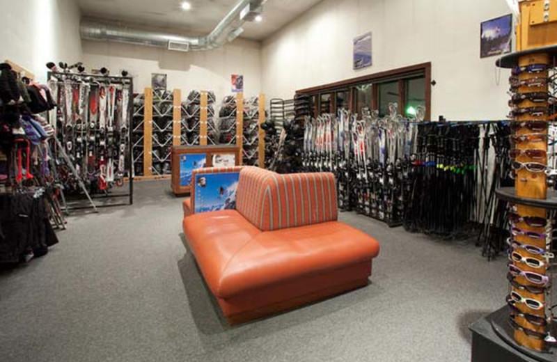 Ski Shop at Holiday Inn Apex Vail