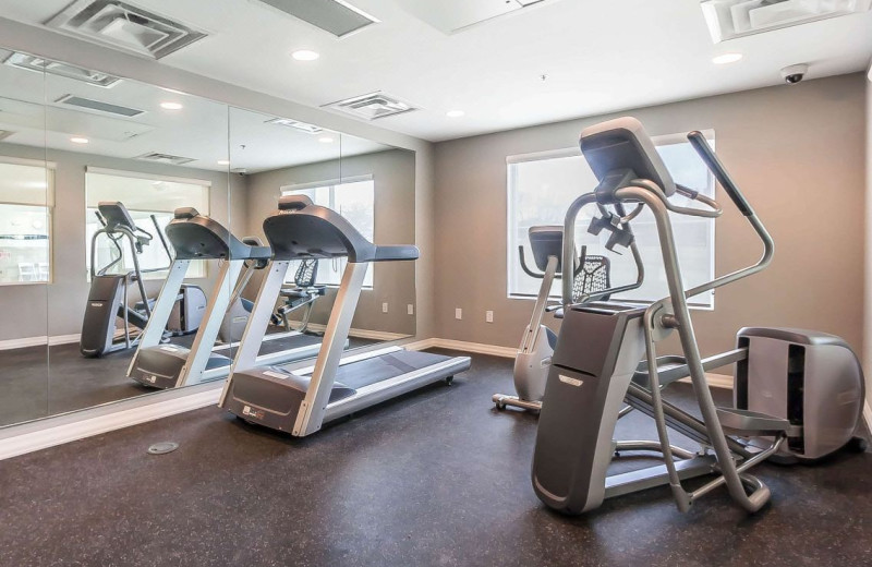 Fitness room at Lakes Inn at Dunvilla.