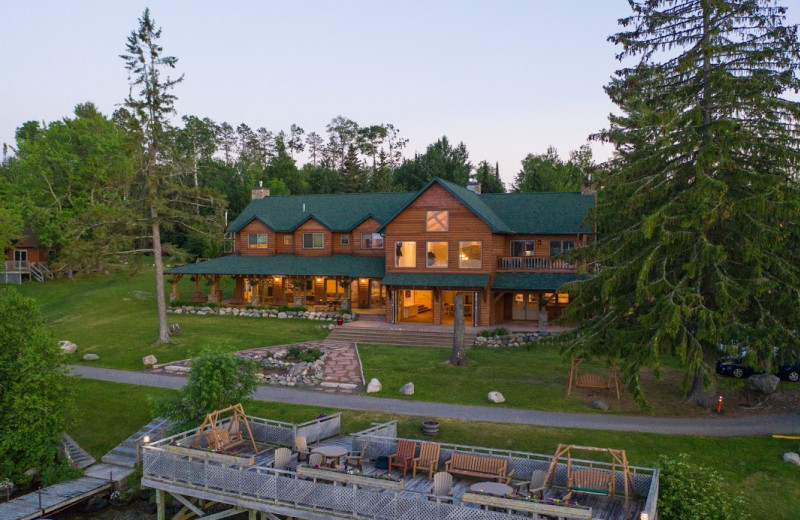 Exterior view of Pehrson Lodge Resort.