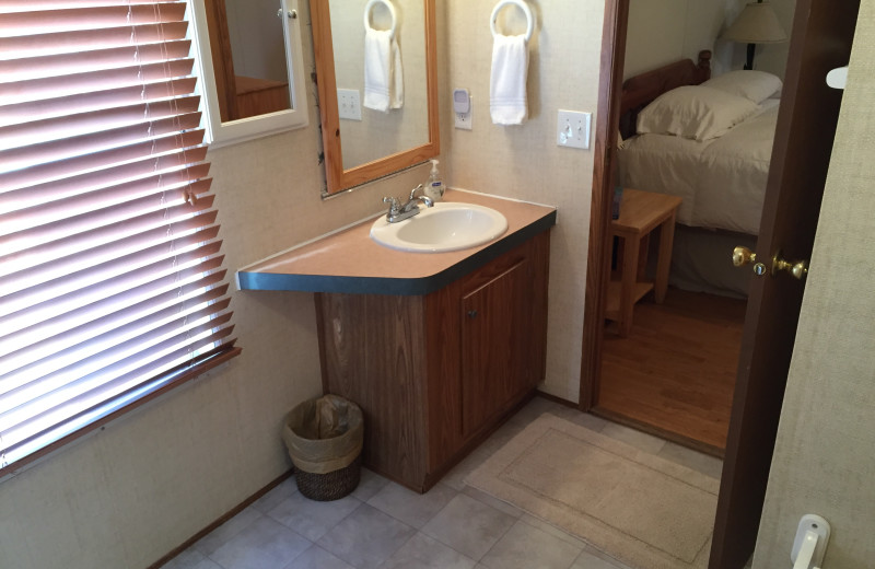 Cabin sink at Buckhead Ranch.