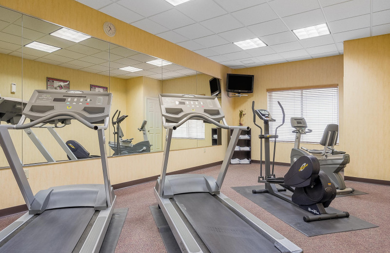 Fitness room at Holiday Inn Minneapolis NW Elk River & Wild Woods Waterpark.